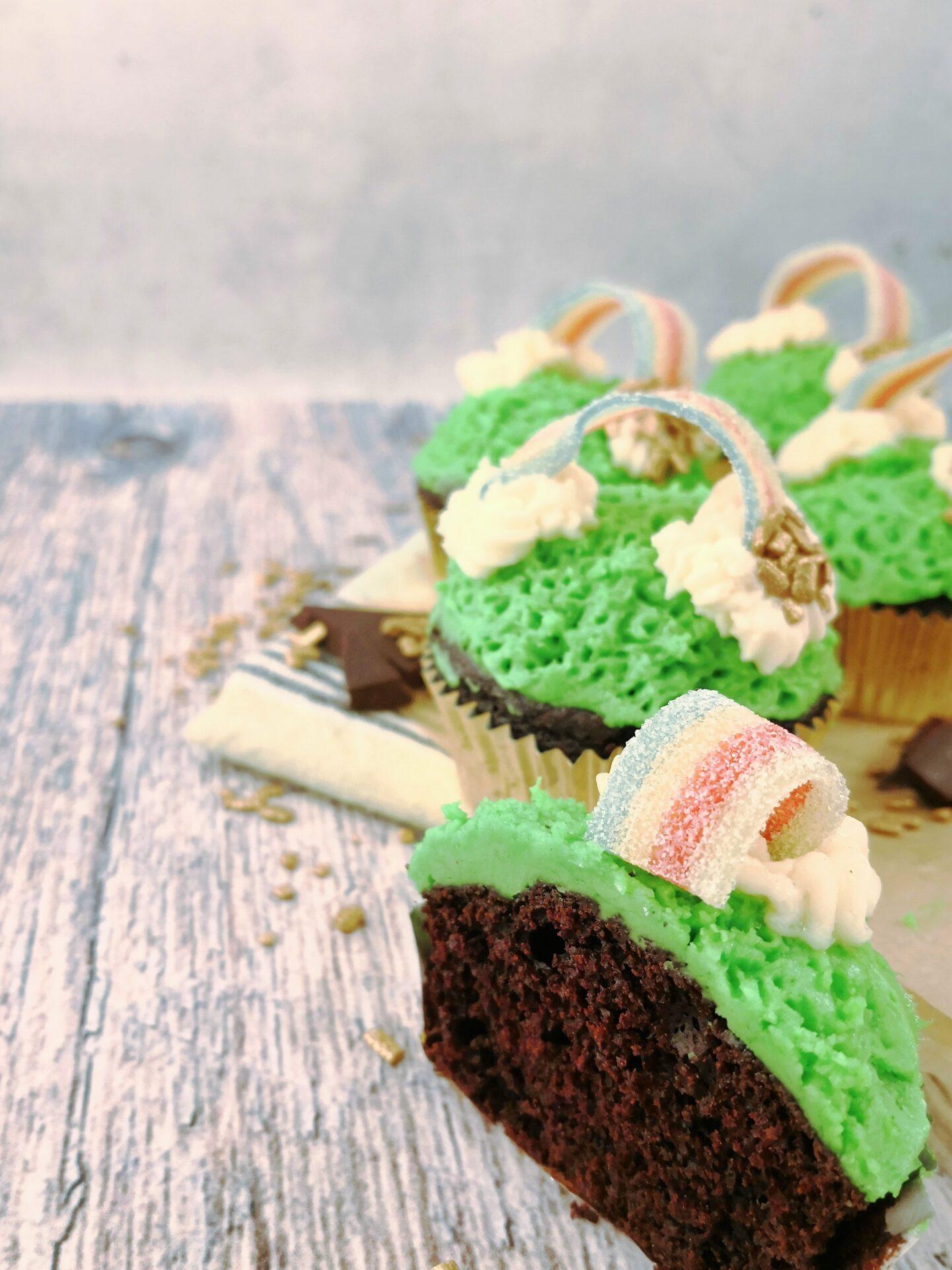 Saint Patrick's Dag Leprechaun cupcakes