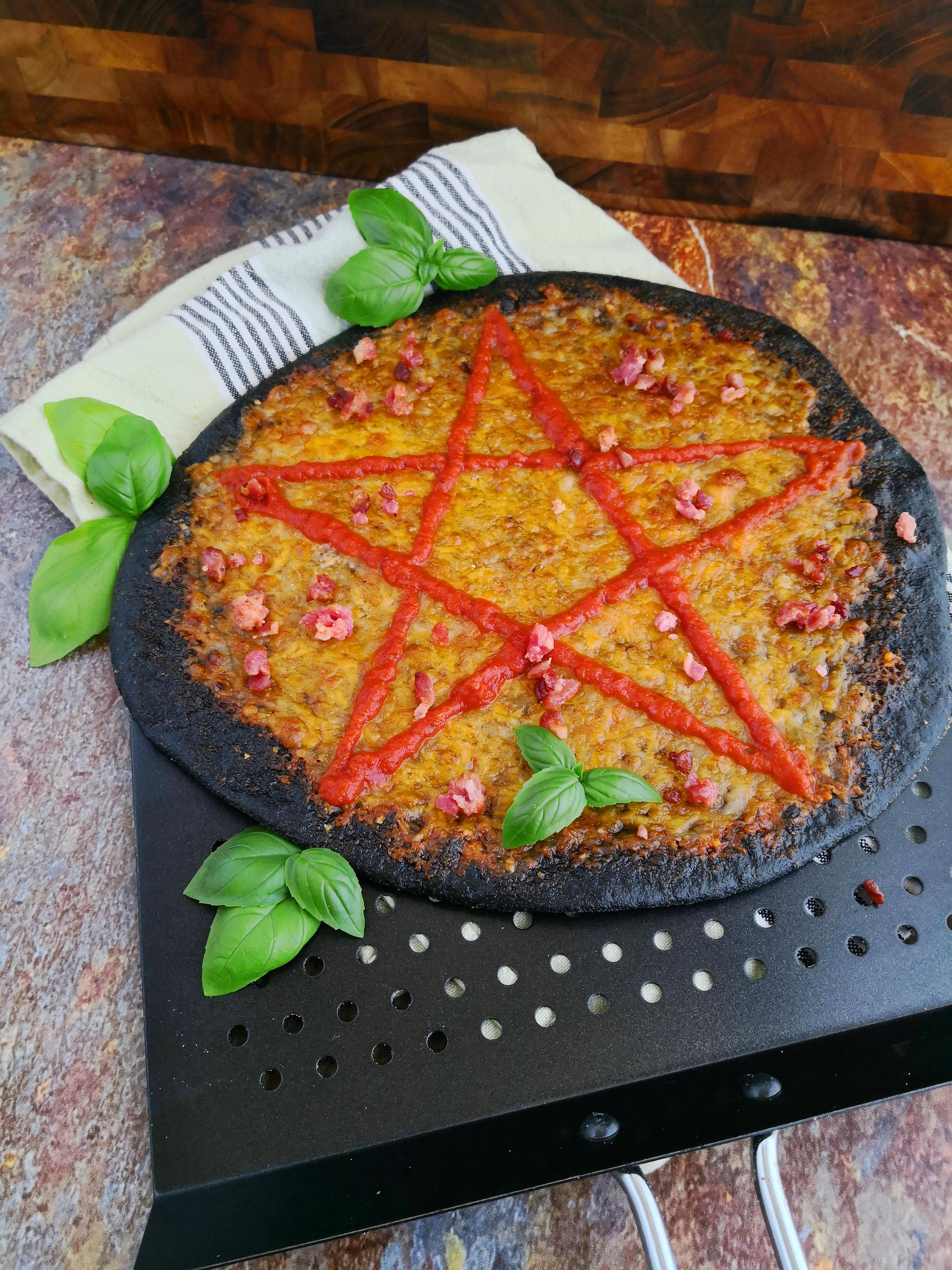 Dæmonisk hvidløgspizza fra Dæmondræberen