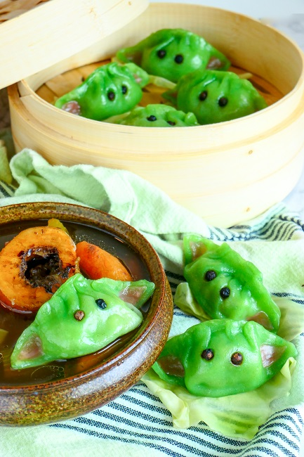 Baby Yoda dumplings i bone broth