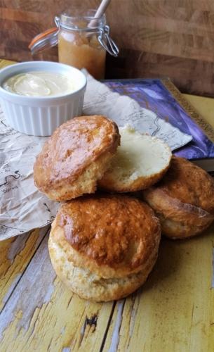 Bilbos scones med friskkærnet smør fra Hobbitten